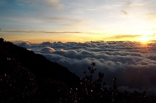 Sunrise from Mt. Kerinci. Photo by fluffy_chick_98 (Flickr)