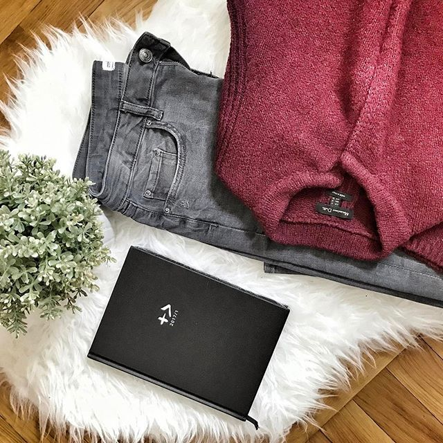 Making plans for next week... setting up new goals 👌#byallthings #sundays #sundaymood #relax #dayoff #clothes #clothing #fashion #fashionblogger #planner #plannergirl #massimodutti #red #black #interior #creatives #creativity #photography #photooftheday #photoshoot @byallthings