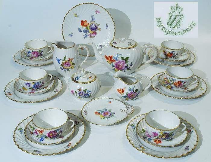 die besten 25 teeservice porzellan ideen auf pinterest royal albert antikes teesgeschirr und. Black Bedroom Furniture Sets. Home Design Ideas