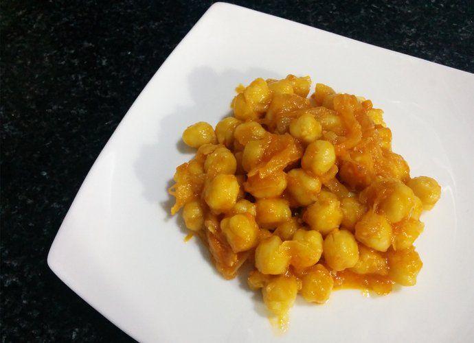 Garbanzos encebollados rápidos para #Mycook http://www.mycook.es/cocina/receta/garbanzos-encebollados-rapidos