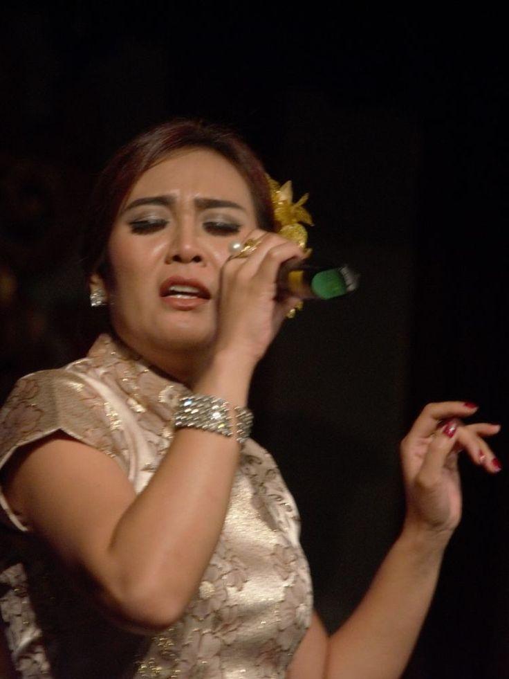 Sing a Song (Menyanyikan sebuah lagu) by arthamade