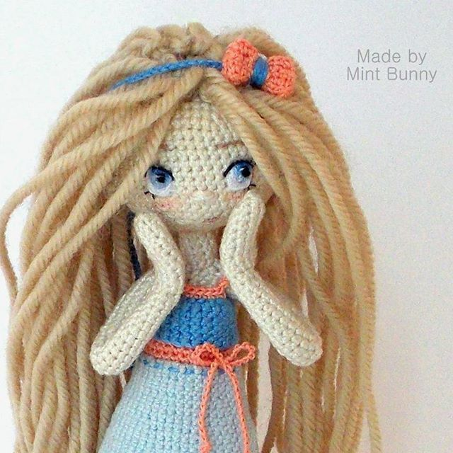 Amigurumi girl doll ♡ by Yulia, happy dollmaker @mint.bunny. (Inspiration).