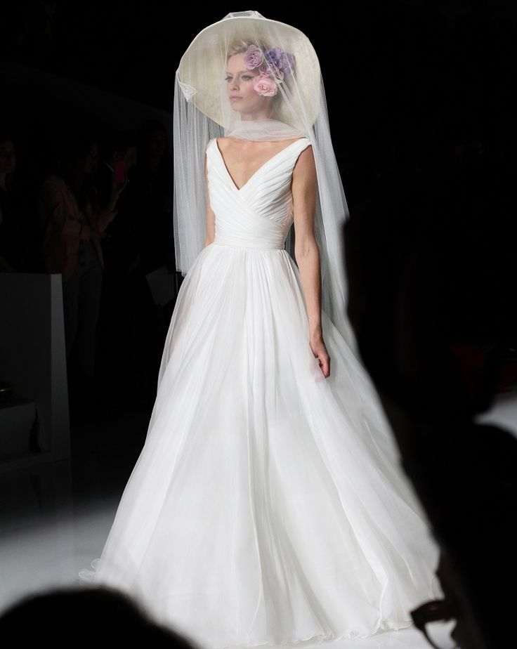 pronovias 2014 If you love hats, that's for you! Charming and chic