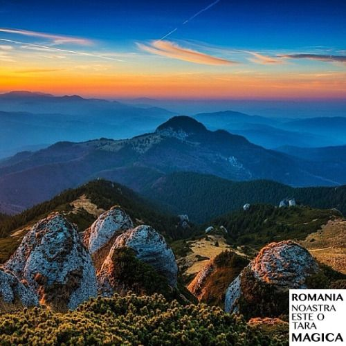Apus magic în Munții Ciucaș. Fotografia vine de la @simayzsolt Felicitări! #romaniamagica