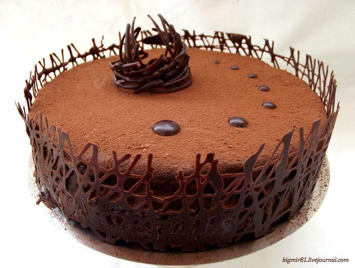 """Ведь нет смысла рассказывать о вкусе этого торта? Он превосходный!Очень-очень шоколадный и невероятно вкусный. Рецепт из книги """"Кулинарное искусство"""", 1957…"""