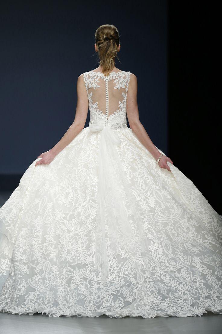 Vestido de Noiva de Justin Alexander (Justin Alexander 42), coleção pasarela, corte em a, decote ilusão