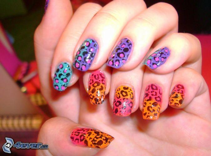 lackierte Nägel, Hände