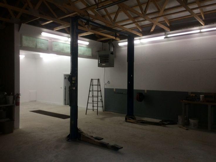 Barn Garage Interior : Pole barn garage interior polebarinterior carlift