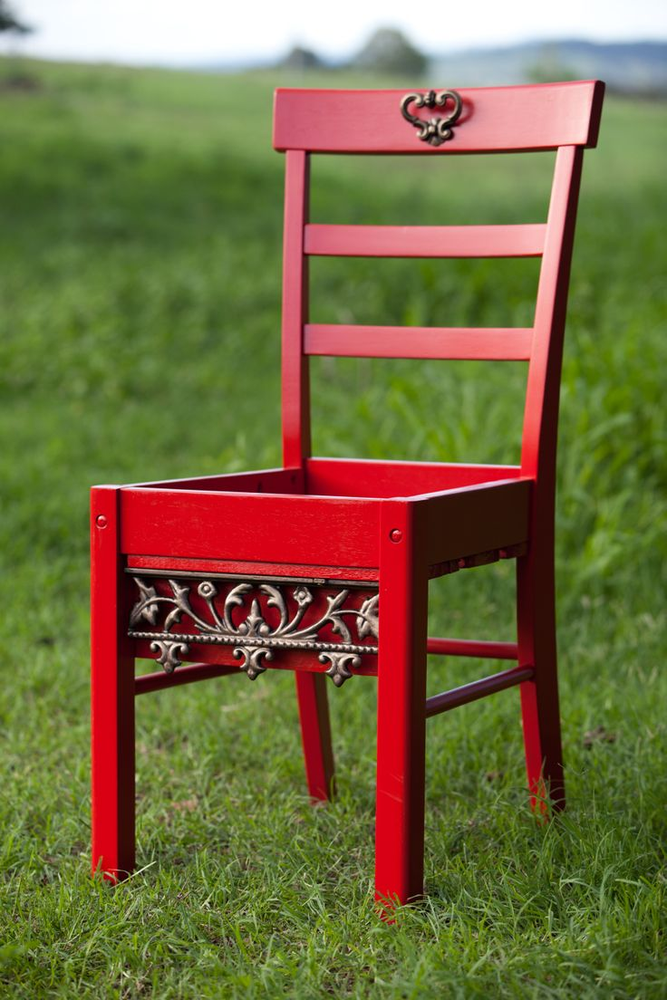 Red Planter Box Chair. See Nine Stitches on facebook for more pictures... https://www.facebook.com/pages/Nine-Stitches/1395225480724976