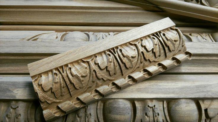 Schnitzleisten aus Holz :: Wood carved moldings.