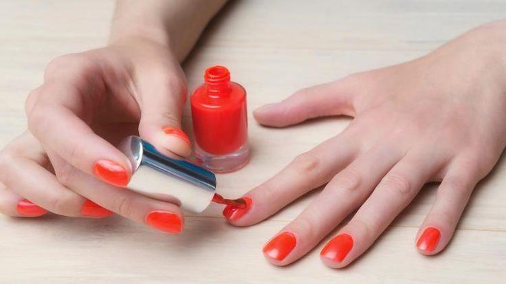 Manicure no ponto: 9 erros para evitar ao fazer as unhas em casa