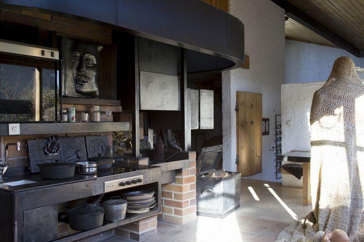 Bukowskis Real Estate: Hertha Hillfons hem och unika ateljébyggnader