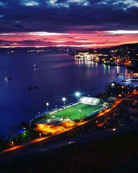 İyi geceler Kocaeli.. Fotoğraf Ozan Ergön - Hereke (İzmit Korfez)
