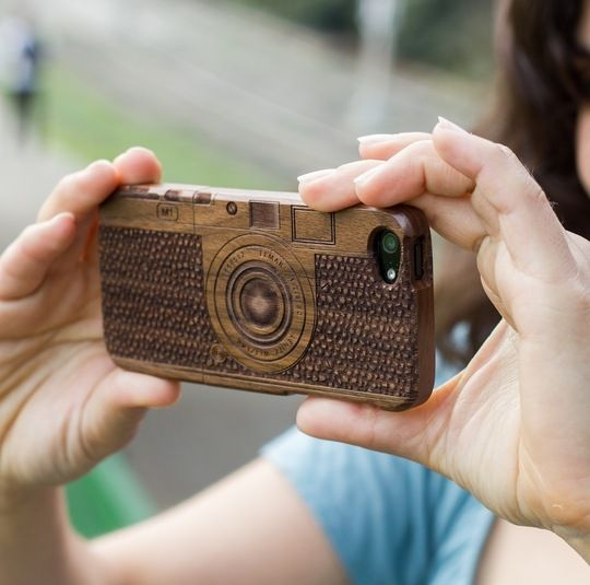 @Elizabeth How cool is this?     Wood Camera iPhone Case. Via Apartment Therapy.