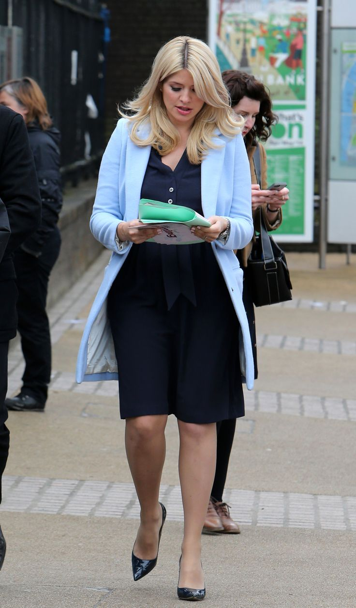 Holly Willoughby – Outside This Morning Studio London 22.04.14