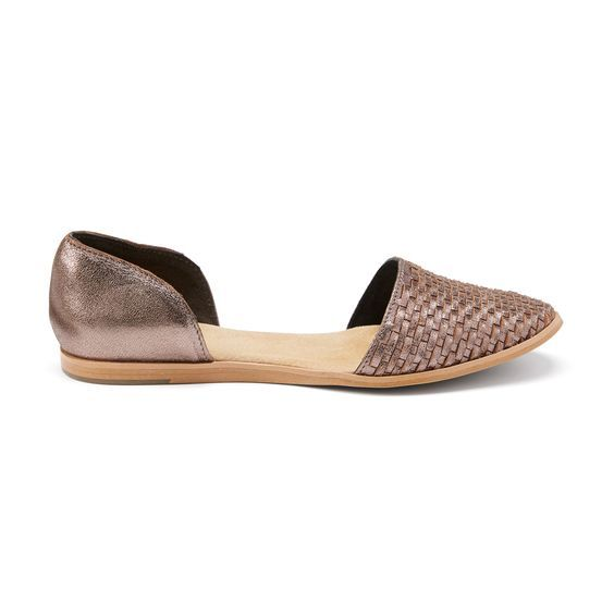 I love this metallic flat! I have a pair of silver flats that I've worn to DEATH because they go with everything.  #stitchfix https://www.stitchfix.com/referral/4271923