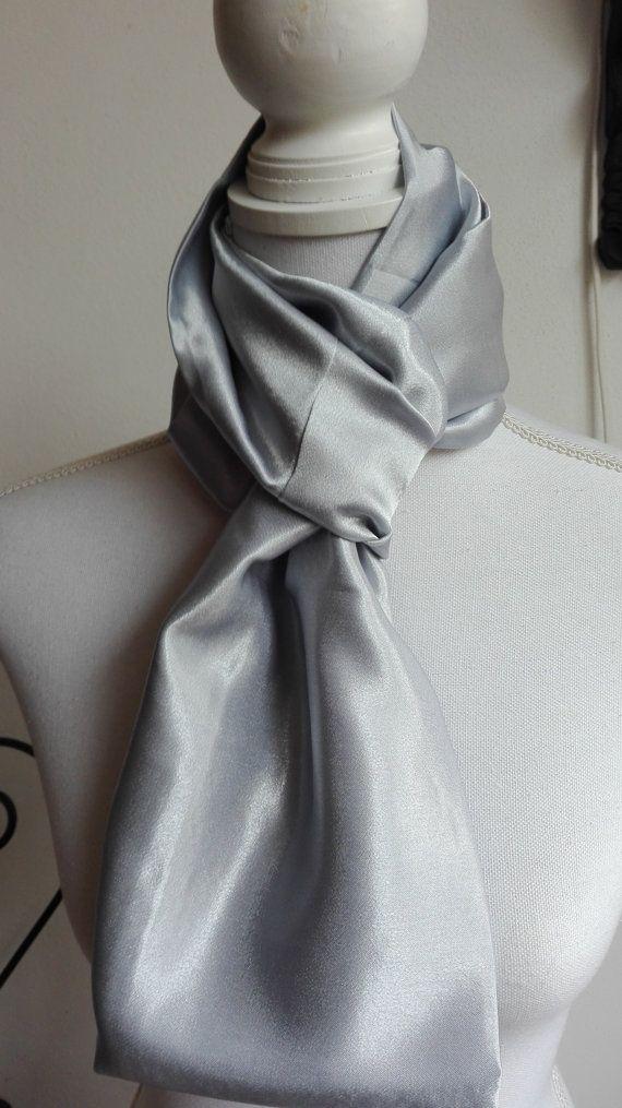 Hoi! Ik heb een geweldige listing op Etsy gevonden: https://www.etsy.com/nl/listing/475683618/grijs-satijn-infinity-sjaal-cirkel-sjaal