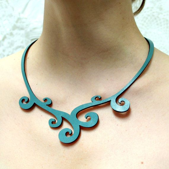 SWIRL Leather Necklace in Blue