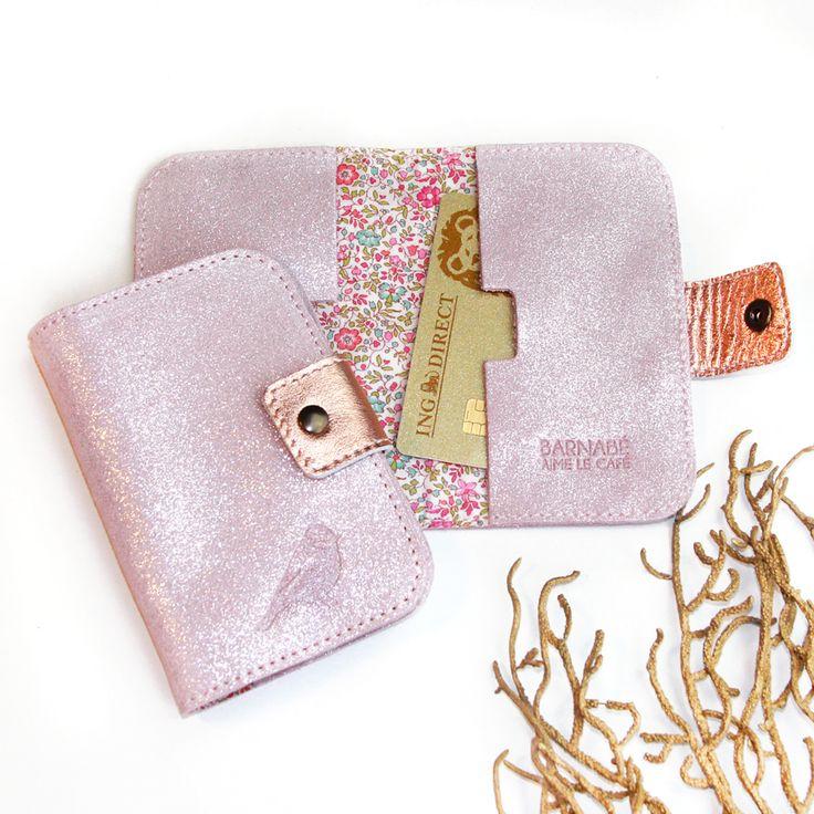 Porte-cartes femme en cuir pailleté et intérieur Liberty... / Barnabé aime le café, cadeau de naissance et accessoires.