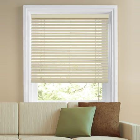 Cream wooden venetian blinds work well with neutral colour schemes.