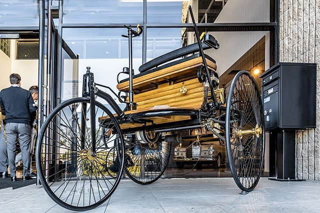 1886 Benz Patent-Motorwagen Replica at the Classic Center.            #benz #history #patentwagen #threewheeler #automobile #antique #cargram #mbenz #classicbenz #classiccar #classiccars #automotive