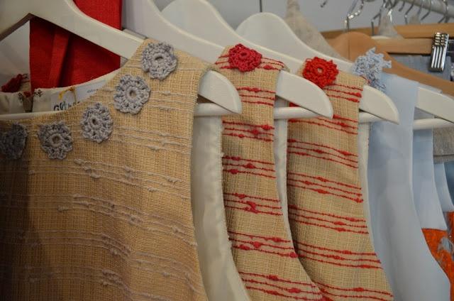 La stanza degli armadi: Atelier Altrecose di Lu - Con Meggie vi accompagnerò in un mondo fatto di vestiti e accessori pensati e nati in Italia, a volte anche cuciti addosso a voi, spesso pezzi unici come uniche sono le mani che li hanno creati. - via @Clarissa Vintage