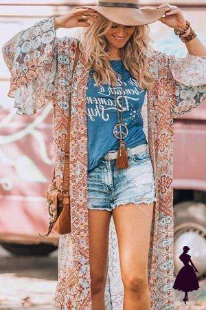 E estilo hippie es cm un look Coachella... ¡todos los días! Sigue el link y encuentra más looks para inspirarte. Looks Hippie, Estilo Hippy, Coachella, Kimono Top, Club, Outfits, My Style, Link, Travel