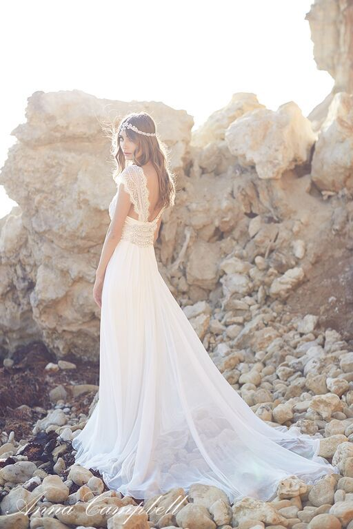 Robe de mariée boho / hippie chic d'Anna Campbell - Inspiration pour un mariage bohème