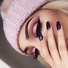 A Nanda Gama fez o passo a passo dessa maquiagem linda que bombou no facebook, quer aprender? então vamos ao tutorial de maquiagem ! ...