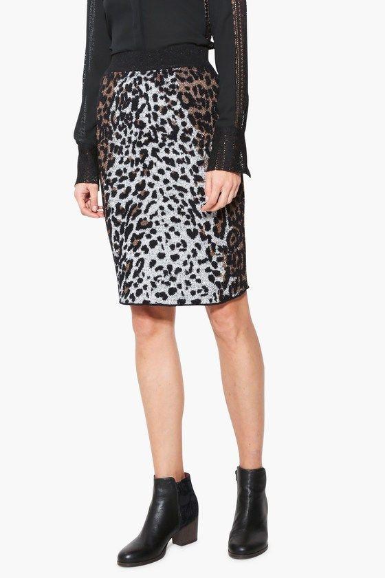 ¡La forma ideal para destacar! Falda negra de tubo con animal print. Atrévete a ser ¡Desigual! y disfruta del lado amable de la vida. Descubre la colección Desigual Otoño-Invierno 2017 en Okilucky.