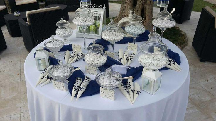Confettata in bianco e blu - #cateringroma #catering #maan #cateringcastelliromani #frascati
