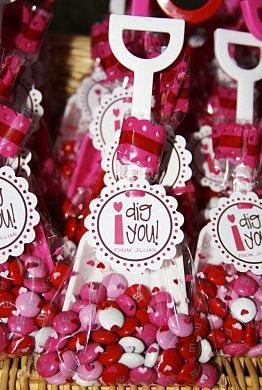 """Cute Valentine-I have seen this a few different ways. Love it for boys to hand out or as my """"goody bag/gift"""" at the end of our class party."""