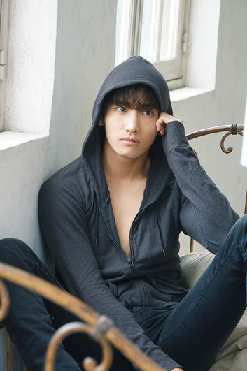 CHANGMIN from 東方神起 ソロミニアルバム『Close To You』 SPECIAL SITE