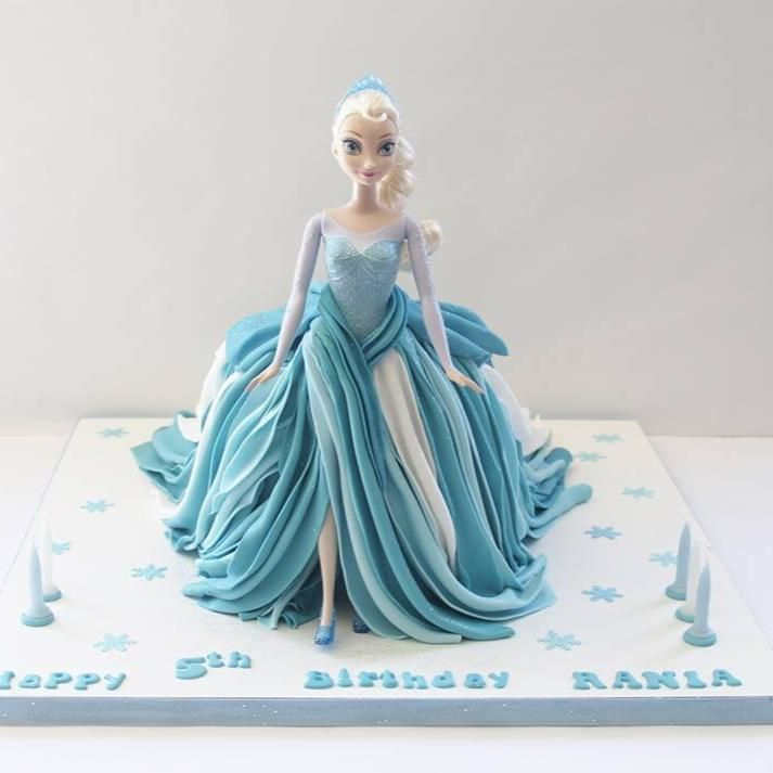 44 best barbie cakes images on Pinterest Doll cakes Barbie cake
