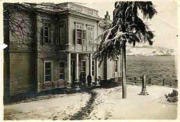 Enver Paşa Yalısı (1900'ler) #Ortakoy #istanbul #istanlook #birzamanlar #oldpics