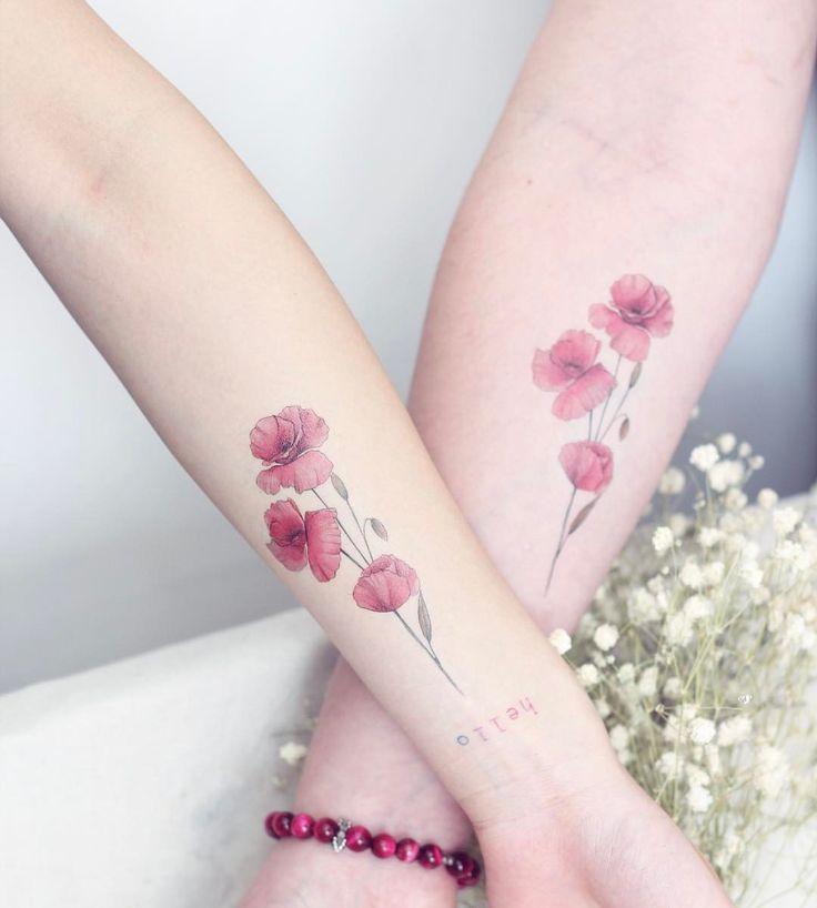 """3,297 Likes, 29 Comments - 紋身師-🌸Mini Lau (@hktattoo_mini) on Instagram: """"好消息!💕🤗 .花系列的紋身貼紙終於岀爐了👏🏻🌷 .這是其中一款 💕 . .想紋身又害怕會後悔的女生們🙈 .可以買它回家看看效果喔 ! . .🇹🇼台灣紋身展是首賣💐攤位79.80號…"""""""