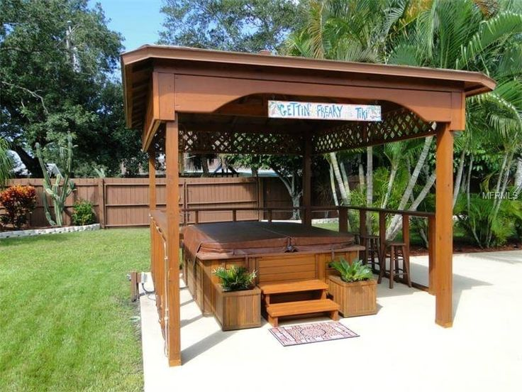 This gazebo has fences to create an isolated and solitary hot tub space this makes for a great spot where you can escape to shut yourself off from the