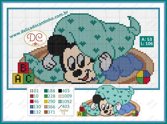 Delicado Cantinho: Gráfico Ponto Cruz Mickey no Tapetinho e Cobertor