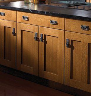 Oak Shaker Cabinet Doors modren oak shaker cabinet doors closer look at the quaint cabinets