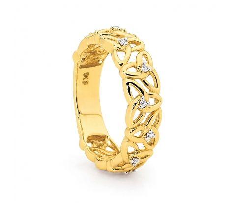 9ct yellow gold diamond dress ring.