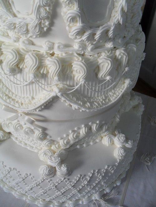 Lambeth Wedding Cake — Lambeth and Stringwork
