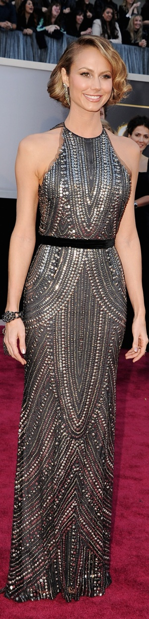 My absolute FAVORITE dress at the 2013 Oscars: Stacy Keibler in a stunning Naeem Khan dress, (Giuseppe Zanotti shoes, Lorraine Schwartz jewels, and a Tiffany & Co bag).