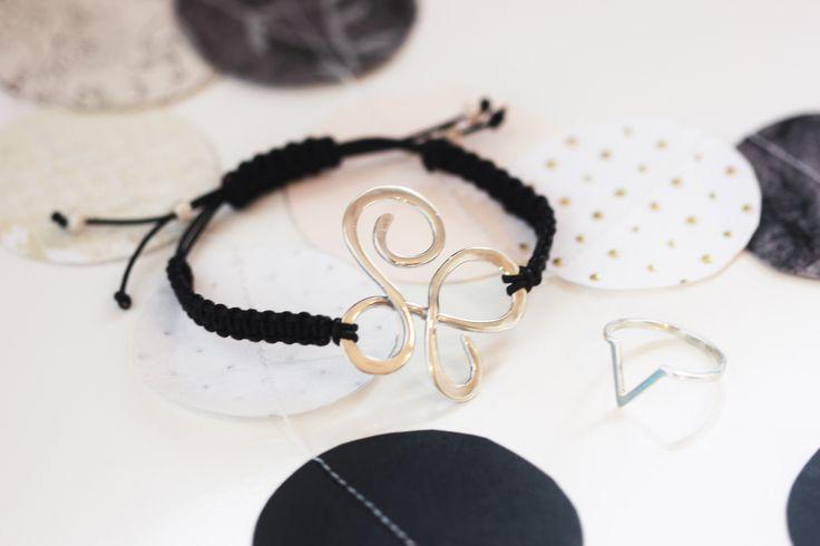 Initial bracelet and V-ring