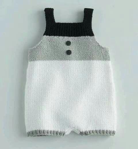 Macacão tricô baby