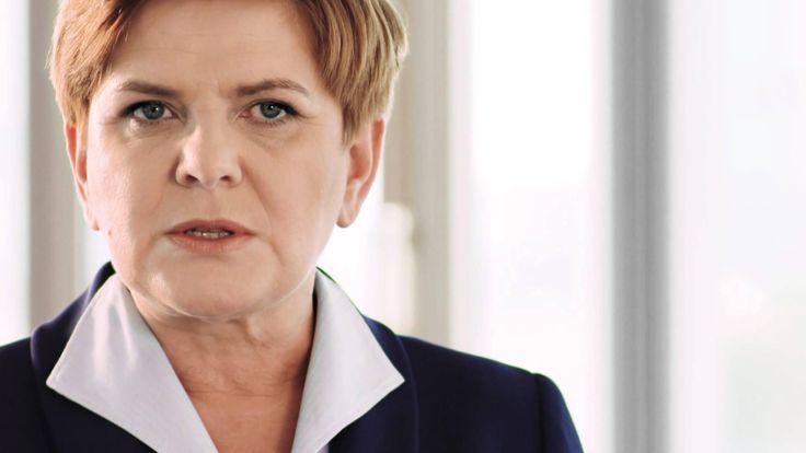 O potrzebie wprowadzenia podatku bankowego przekonuje Beata Szydło, o 16 mld zysku banków komercyjnych tylko w tym roku, o nie inwestowaniu w rozwój przez te banki w Polsce, o kontrolowaniu banków przez obcy kapitał, transferowaniu wypracowanych zysków do Niemiec, Holandii, Włoch,itp., o najwyższych opłatach i prowizjach bankowych Europie
