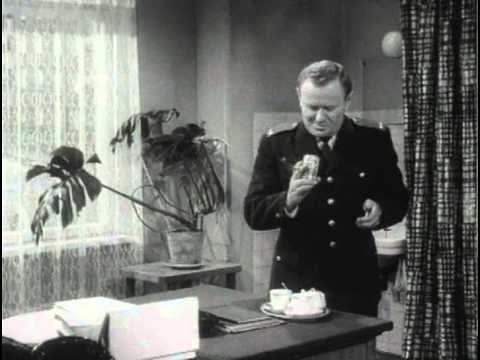 Smrť prichádza v daždi (1965) - YouTube