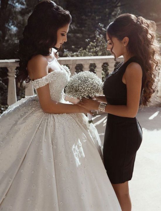Off the Shoulder White Ball Gown Wedding Dresses with Beaded Appliques
