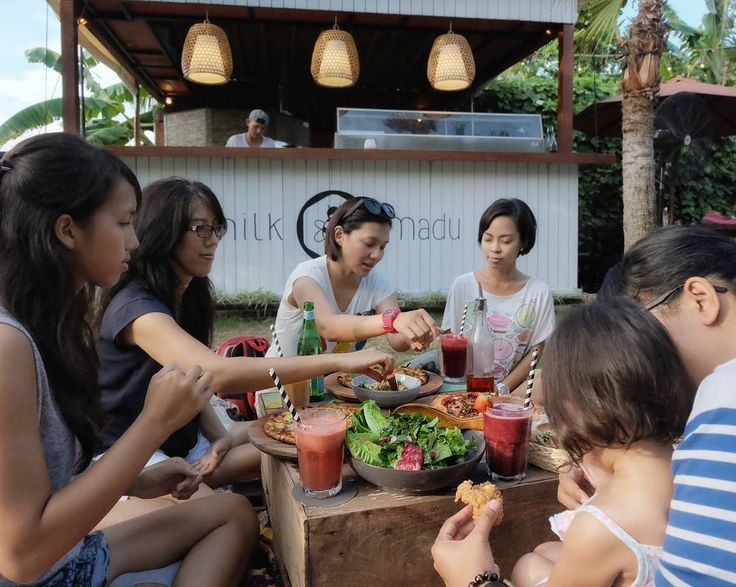 """#Bali check out the new story of @milkandmadu's """"Dinner Picnic"""" at our Blog foodcious.com. Link available at  @foodcious"""