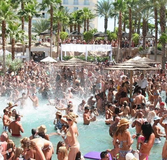 Rehab Beach Club Hosts Las Vegas Athletic Club Magazine Spring Issue Release Party March 31 Hotel Casino Las Vegas Las Vegas Trip Vegas Pool Party
