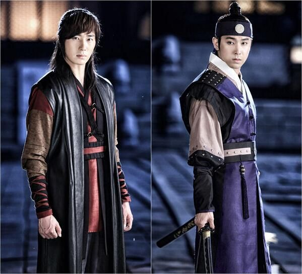 "Jung Il Woo and TVXQ's Yunho Look Charismatic in First Stills of ""The Night Watchman"""